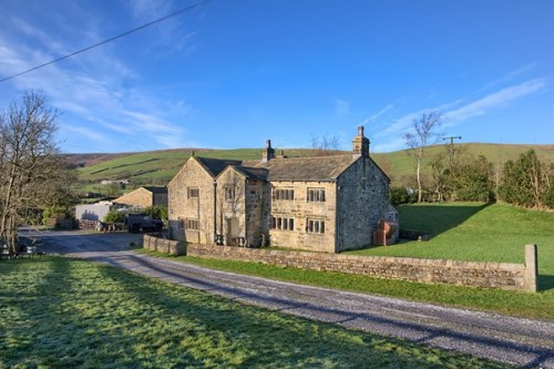 Sold Within 24 Hours: Elizabethan Farmhouse in Rural Sabden Fold
