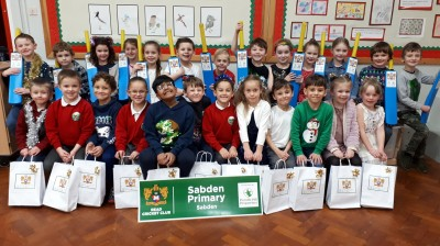 PENDLE HILL PROPERTIES BRINGS CHEER TO 120 SCHOOLCHILDREN WITH CRICKET BAT GIVEAWAY